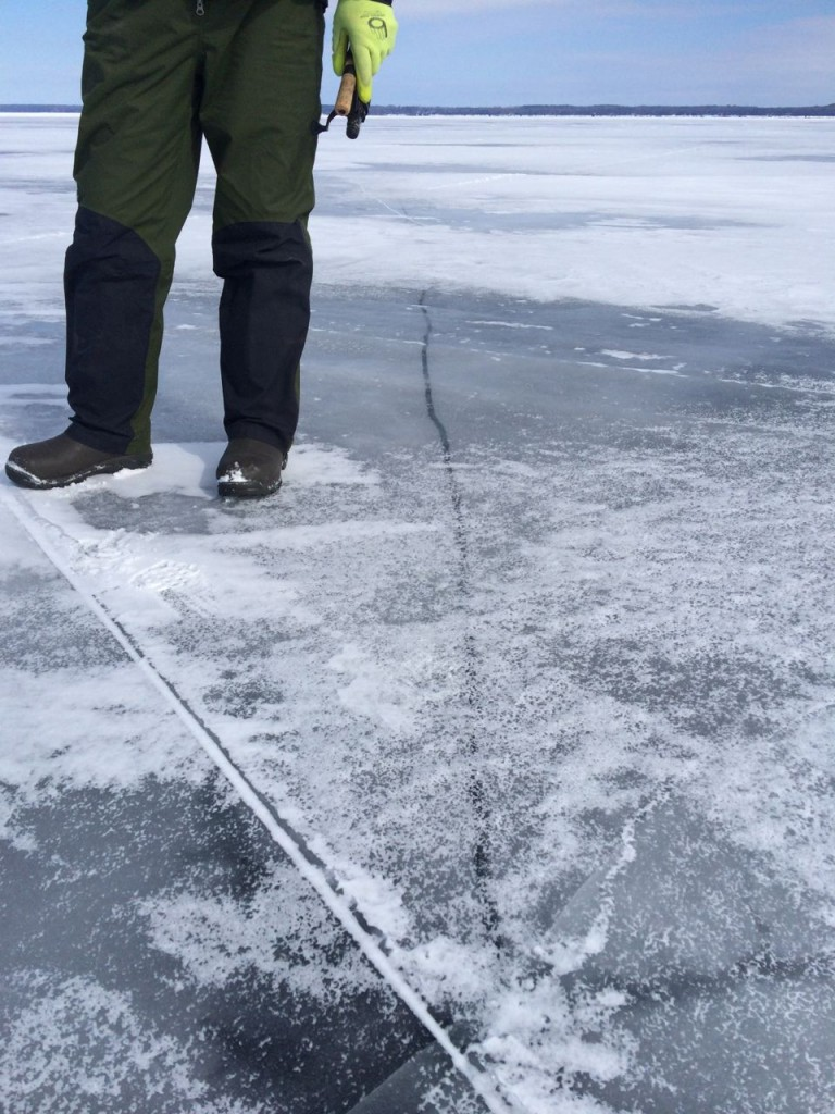 Ice fishing06